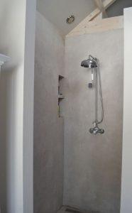 schimmelvrije badkamer, goedeventilatie en gladde muren