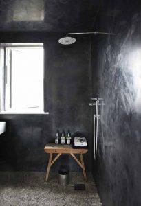 italiaans-stuc-badkamer-zwart